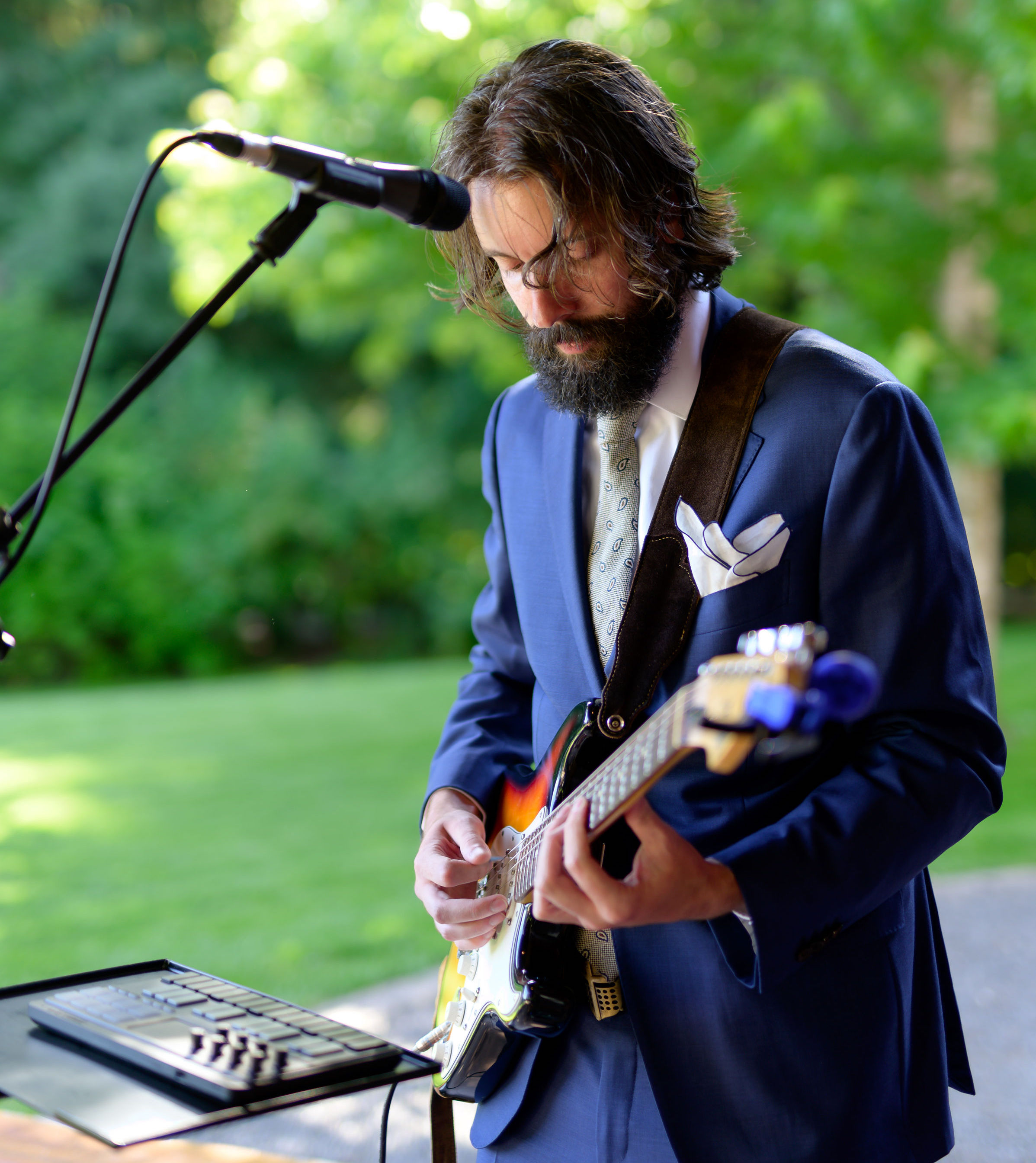 Guitar and keyboard at a wedding